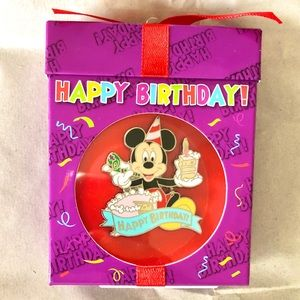 🥳 OFFICIAL Disney parks Happy Birthday pin 🥳